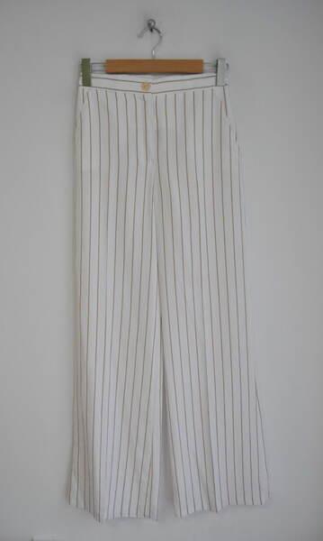 Бял дамски панталон на рейета