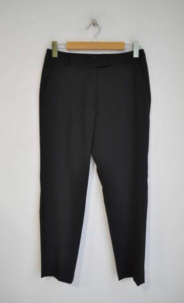 Черен дамски панталон със скрито закопчаване