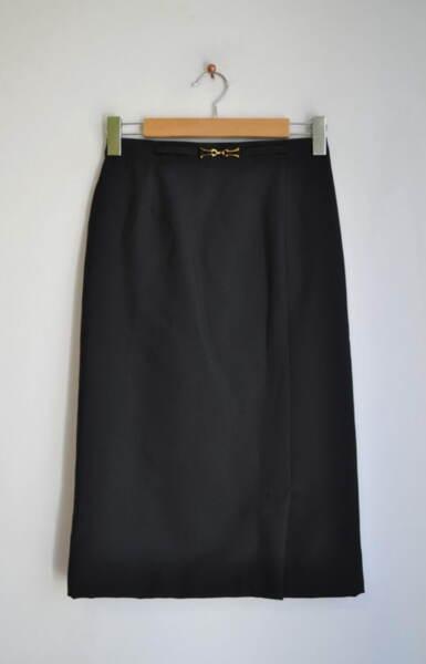 Черна дамска права пола с миди дължина