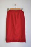 Червена дамска права пола с миди дължина