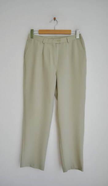 Зелен дамски панталон с частичен ластик на колана (второ качество)