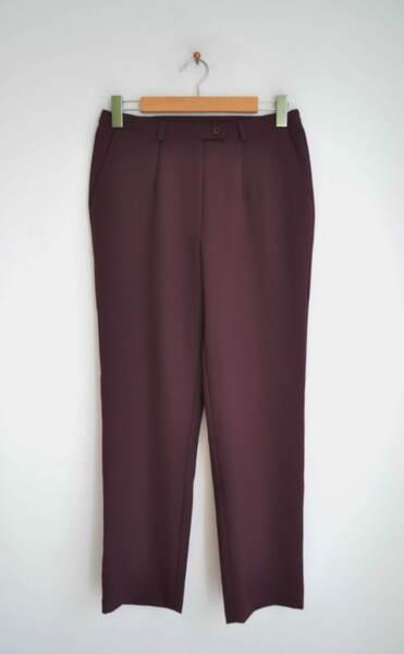 Дамски панталон с прав силует в цвят патладжан (второ качество)