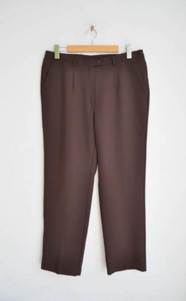 Кафяв дамски панталон с прав силует (второ качество)