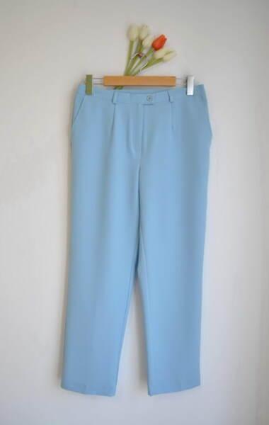 Светлосин дамски панталон с прав силует