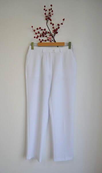 Бял дамски панталон с прав силует (второ качество)