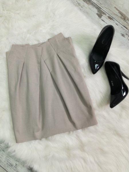 Къса пола в цвят каки