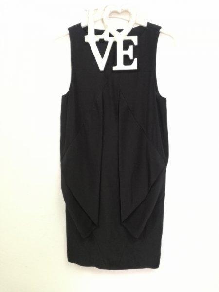 Черна рокля  с ефектни воали