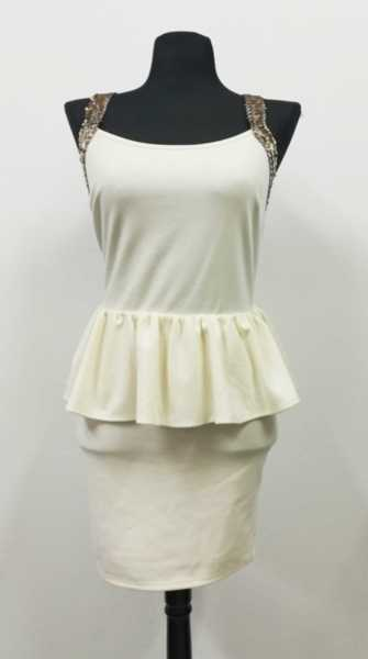 Екстравагантна рокля с гол гръб