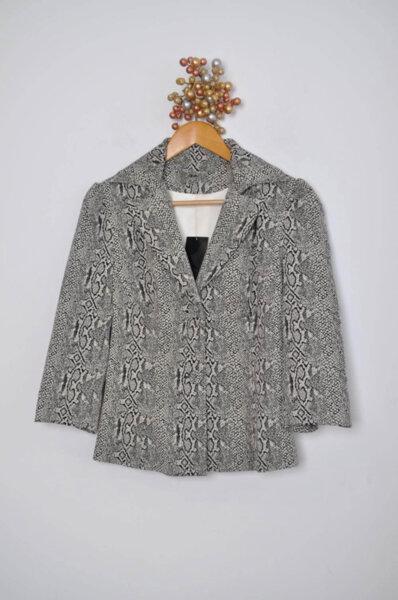 Дамско сако с ефектна щампа