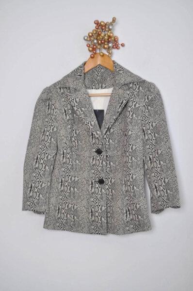 Дамско сако с 7/8 ръкави