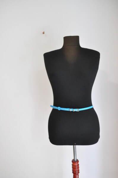Дамски колан в свежо синьо