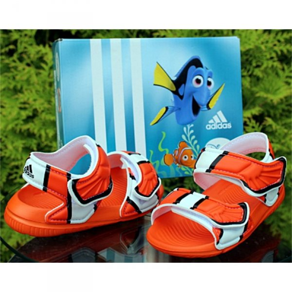 Adidas Disney Akwah 9