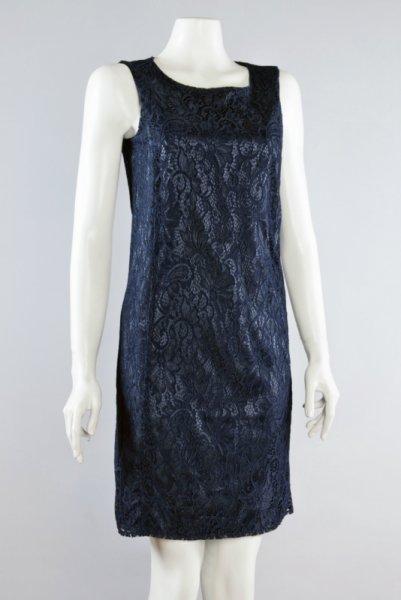 Ретро рокля от дантела
