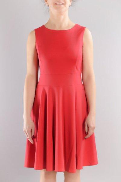Разкроена рокля клош от трико