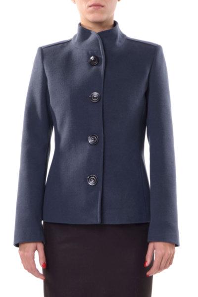 Късо палто с прикачен колан