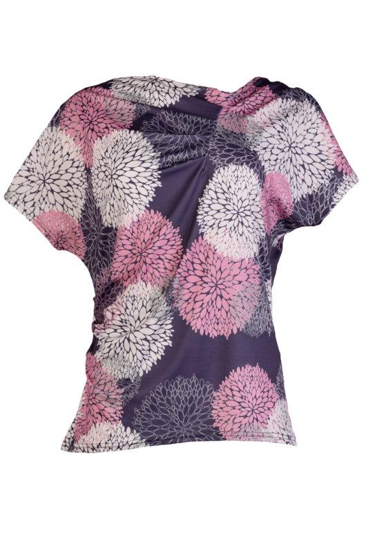 Трикотажна дамска блуза с къс ръкав и чупки на предницата-Copy