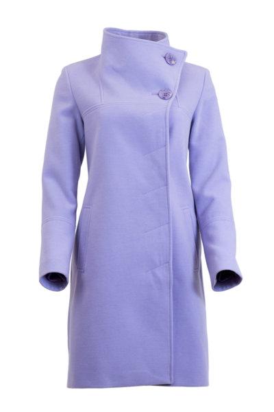 Дамско палто с асиметрично закопчаване