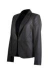 Дамско сако с остър ревер и срязване в талията