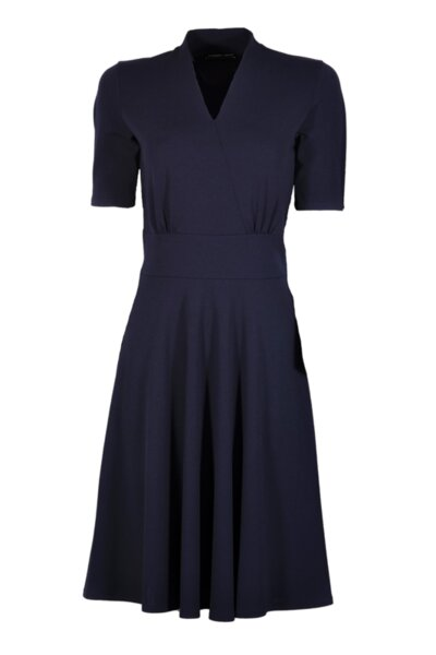 """Разкроена рокля """"Прегърни ме"""" с колан"""