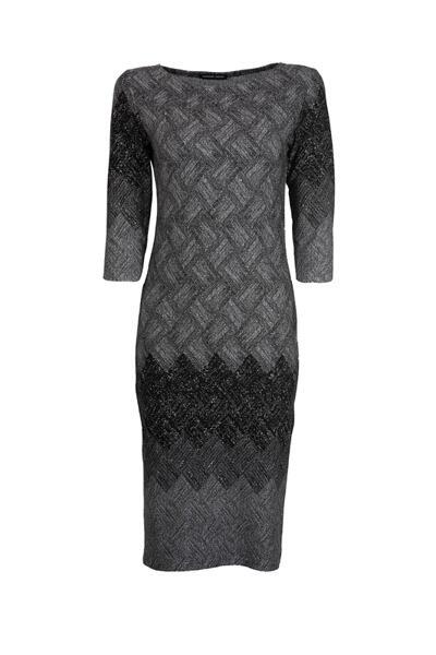 Вталена женствена рокля с 3/4 ръкав