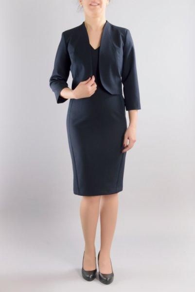 Вталена рокля в бизнес стил в комбинация с късо болеро