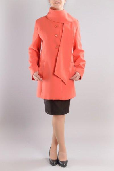 Дамско палто с подвижен шал