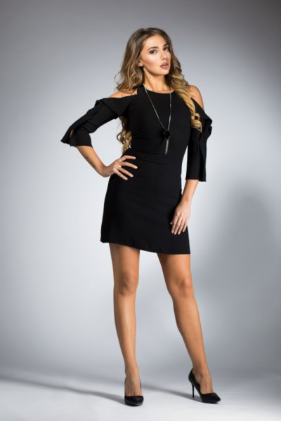 Дамска черна къса рокля с 3/4 ръкав
