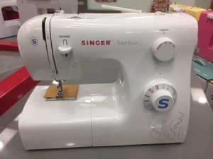Sewing Machine Singer TRADITION 2250
