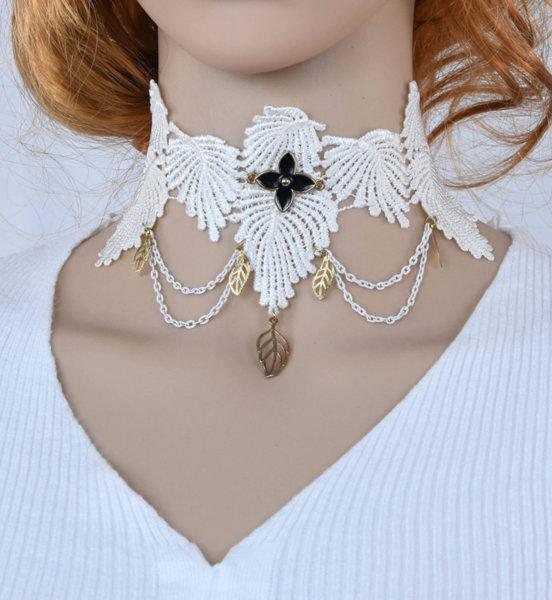 Дамска огърлица от бяла дантела с верижки