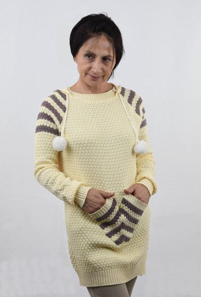 Дамски плетен пуловер с предни джобове