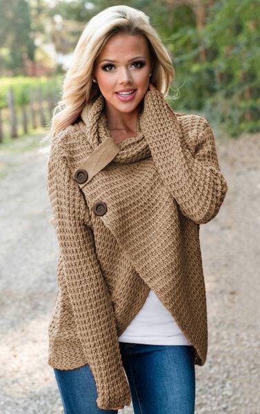 Дамски плетен пуловер с широка яка