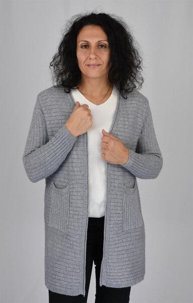 Дамска плетена жилетка с външни джобове