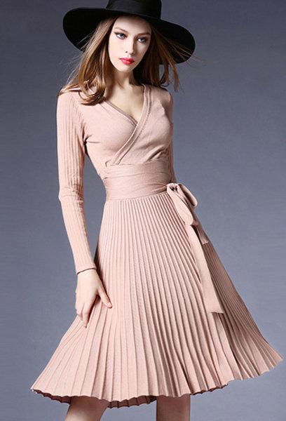 Плетена рокля с широк волан