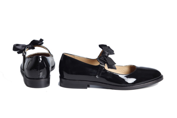 Дамски обувки Vera Pelle модел - 1902 черен лак