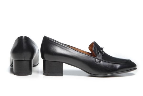 Дамски обувки Vera Pelle модел - 880119 черна кожа