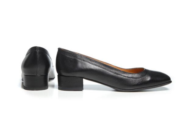 Дамски обувки Vera Pelle модел - 881019 черна кожа