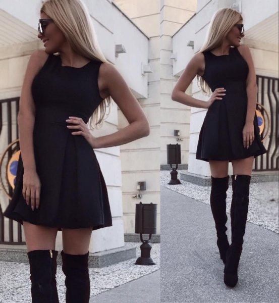 черна рокля CHIC