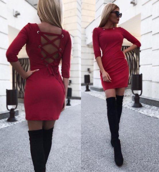 Червена рокля велур