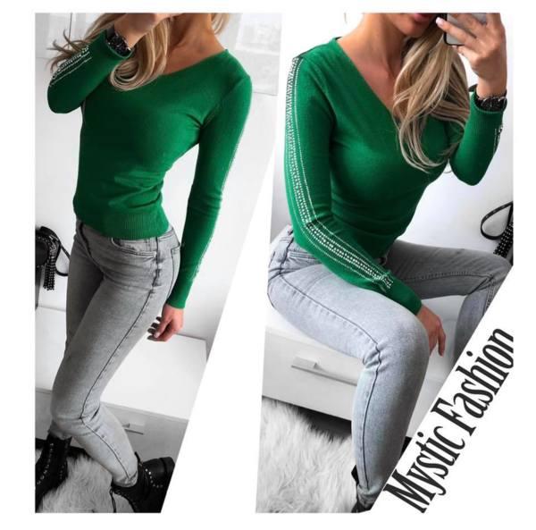 Зелена блуза фино плетиво с камъни на ръкава
