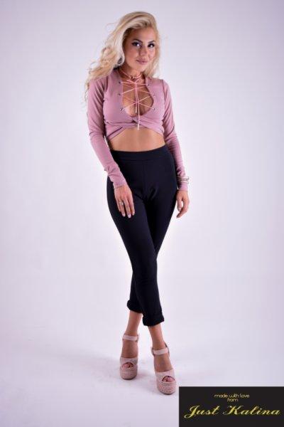 Розова блуза прехвърлена