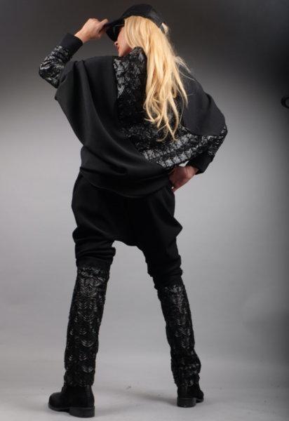 Панталон потур в комбинация с  ефектна кожена дантела