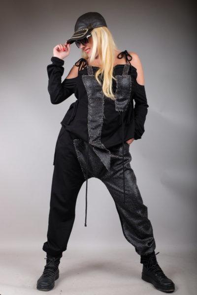 Луксозен панталон потур  в комбинация с ефектни змийски люспи