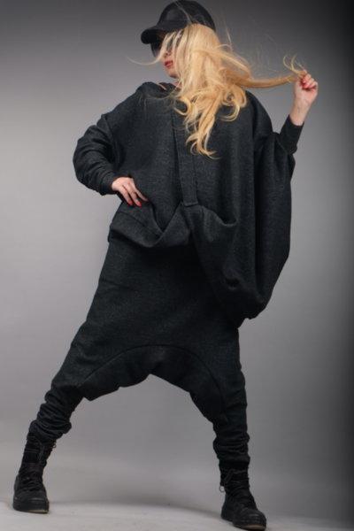 Блуза с ефектен дизайн в черен нюанс