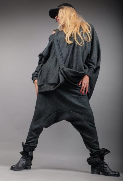Блуза с ефектен дизайн в нежен сив нюанс