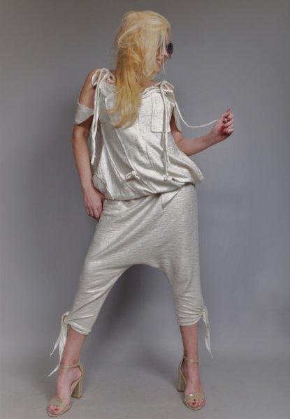 Панталон потур с ефектен сребрист оттенък