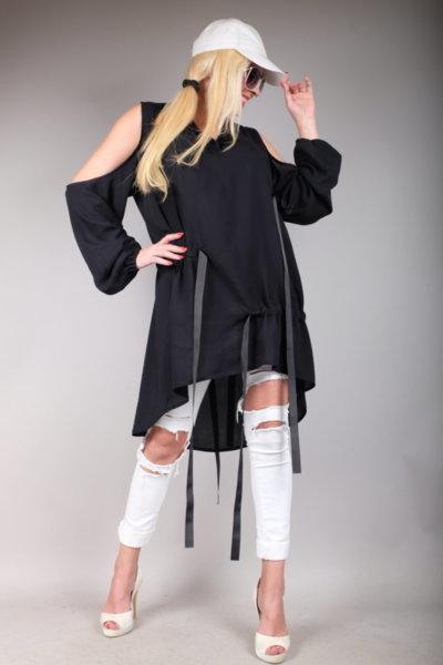 Впечетляваща черна риза  с ефектен дизайн