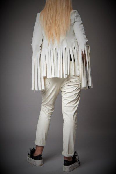 Късо бяло кожено яке с ресни