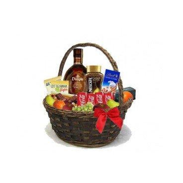 Луксозна кошница с уиски Dimple, ядки, кафе и плодове