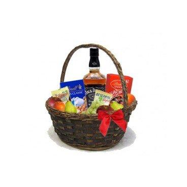 Подаръчна кошница с уиски Jack Daniels, ядки, бонбони