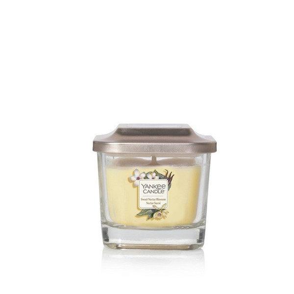 ароматна свещ среден буркан Yankee Candle Elevation Sweet Nectar Bloss